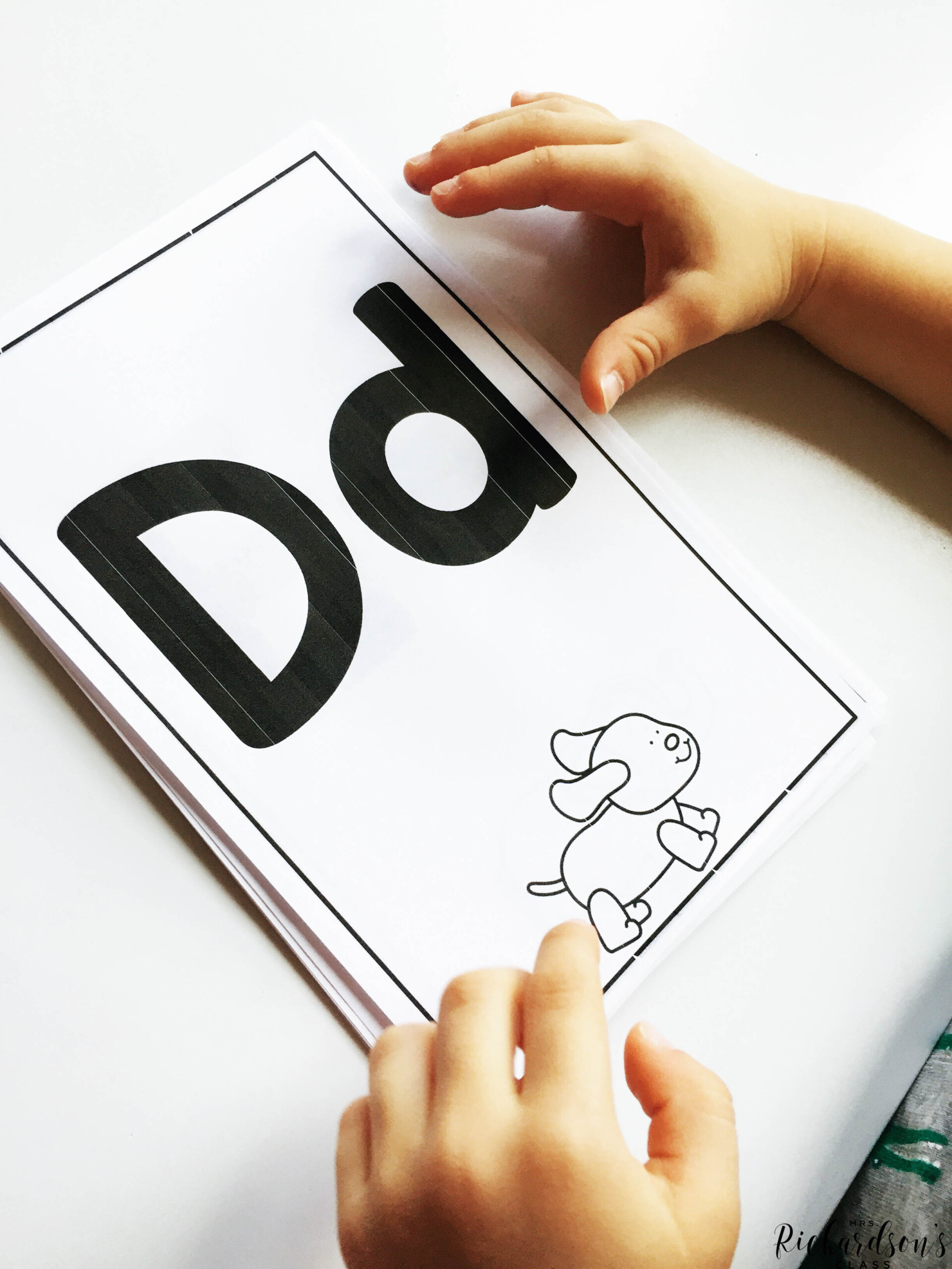 How Tracing Letters Helps Letter Identification - Mrs in Finger Tracing Letters
