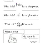 What Is It? What's Your Name? Trace And Copy | Inglese